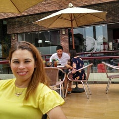 Photo taken at Sushi Shop by Leonel A. on 7/10/2015