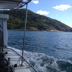 Foto tirada no(a) Ilha do Arvoredo por Denis A. em 11/18/2012