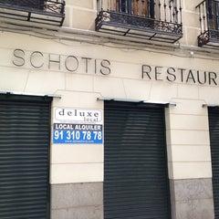 Photo taken at El schotis by Ángel R. on 4/27/2014