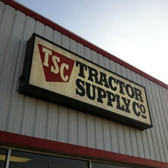 Photo taken at Tractor Supply Co by CentralTexas R. on 9/26/2013