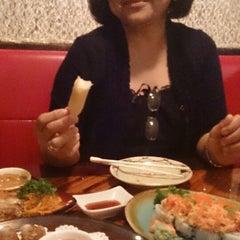 Photo taken at JoTo Thai-Sushi Tampa by Jeruel G. on 5/12/2014