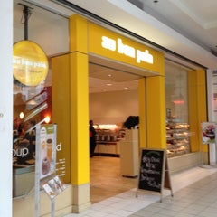 Photo taken at Au Bon Pain by Matt D. on 10/1/2012