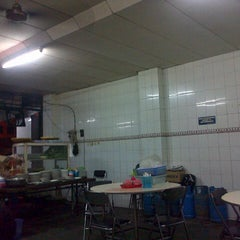 Photo taken at Mie Pasar Baru Jakarta by martin s. on 11/25/2012