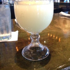 Photo taken at On The Border Mexican Grill & Cantina by Ale P. on 5/26/2014