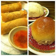 Photo taken at Mei Li Wah by ThisGirlCanEat on 1/23/2013