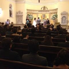 Photo taken at Iglesia de la Veracruz by Noemí M. on 3/22/2014