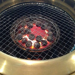 Photo taken at 焼肉屋 マルキ市場 三軒茶屋店 by DanganTraveler on 7/1/2013