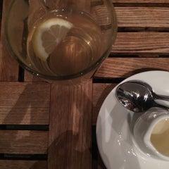 Photo taken at 葡萄院儿 Vineyard Cafe by Daniel L. on 1/30/2015