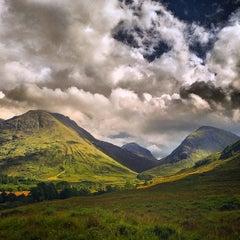 Photo taken at Glencoe Visitors Centre by KevinHunter A. on 8/10/2014