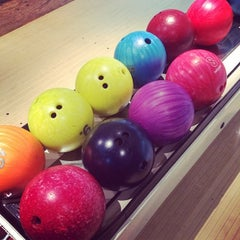 Photo taken at Bowling Champerret by Thibault d. on 1/18/2014