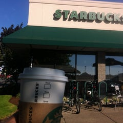 Photo taken at Starbucks by Lee G. on 9/15/2012