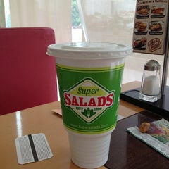 Photo taken at Super Salads by Boa G. on 6/25/2013