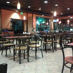 Photo taken at Taco Bell by Randall T. on 8/31/2013