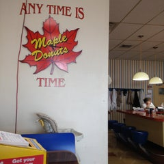 Photo taken at Maple Donuts by Jeffrey J. on 9/18/2014