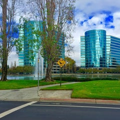 Photo taken at Oracle Plaza by Stanley D. on 10/28/2015