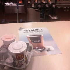 Photo taken at McDonald's by Dianne 💞 on 10/12/2013