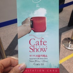Photo taken at 서울 카페쇼 (Seoul Cafe Show) by maysmay➰ on 11/22/2014