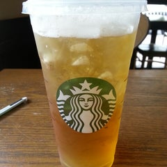 Photo taken at Starbucks by Marlon C. on 4/21/2014