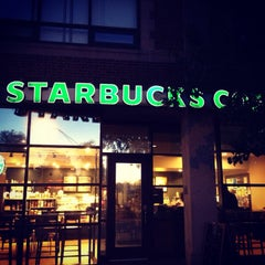 Photo taken at Starbucks by Sara T. on 9/28/2013