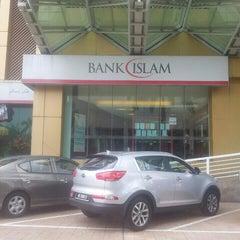 Photo taken at Bank Islam (M) Bhd by Asrolnizam on 11/9/2015