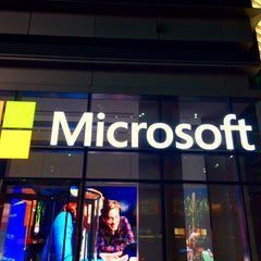 Photo taken at Microsoft by Pierpaolo M. on 11/18/2015
