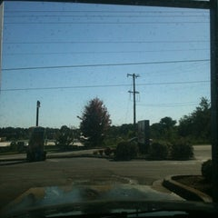 Photo taken at Express Lube by Jeng-Chyang S. on 9/23/2012