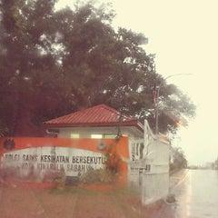 Photo taken at Kolej Sains Kesihatan Bersekutu by Bebeth P. on 10/13/2013