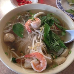 Photo taken at Pho Thang by DJ F. on 9/22/2014