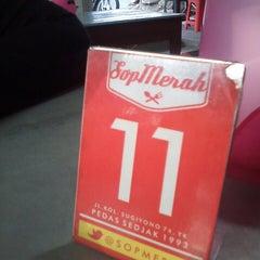Photo taken at Sop Merah by Juang Hasdya F. on 10/15/2014