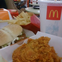 Photo taken at McDonald's by Ryma H. on 1/11/2014