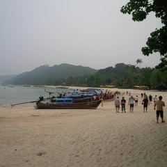 Photo taken at Phi Phi Natural Resort by Mustafa Taki P. on 10/6/2015