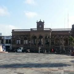 Photo taken at Presidencia Municipal De Tianguistenco by Em M. on 7/11/2013
