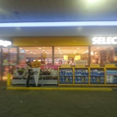 Photo taken at Shell Blommendaal by Harboeth on 1/1/2013