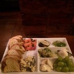 Photo taken at Wine 101 by Linda P. on 9/17/2015