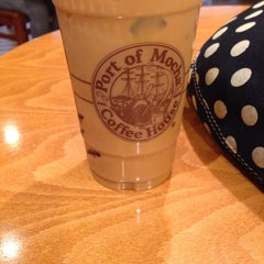 Photo taken at Port of Mocha Coffee House by Kris G. on 11/11/2014