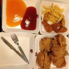 Photo taken at KFC (เคเอฟซี) by Nick N. on 1/30/2014