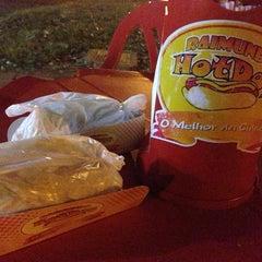 Photo taken at Raimundo Hot Dog by Fê P. on 8/25/2013
