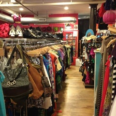 Photo taken at Monk Vintage by Sofia T. on 7/25/2013