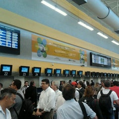 Photo taken at Check-in Azul by Stevan Gustavo S. on 11/21/2011