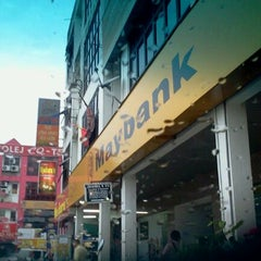 Photo taken at Maybank by Idris B. on 9/20/2011