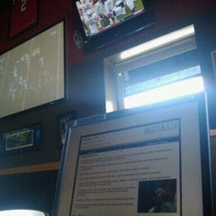 Photo taken at Buffalo Wild Wings by S L. on 9/17/2011