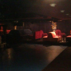Photo taken at Blue Moon Nights by Thöm H. on 12/21/2011