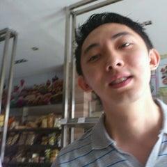 Photo taken at Merlino Bakery, Tart & Bakpia by Herry `. on 11/13/2011