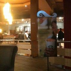 Photo taken at Starbucks by Dorottya S. on 10/16/2011