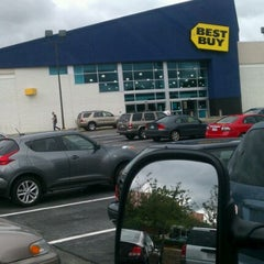 Photo taken at Best Buy by the Hilk on 8/16/2011