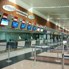 Photo taken at Aeropuerto Internacional José Joaquín de Olmedo (GYE) by Marcela D. (SU2) on 10/22/2011