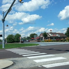 Photo taken at Friendly's by Patricia S. on 8/19/2012