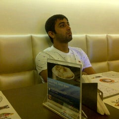 Photo taken at The Chocolate Room by Mahzbeen P. on 9/23/2011