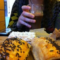 Photo taken at 365.cafè by Franb217 on 3/30/2012