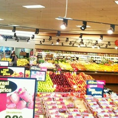 Photo taken at Ralphs by Felix G. on 4/18/2012
